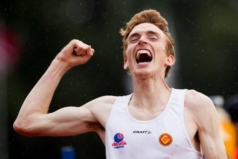 VINNAR: Marius Vedvik tok denne laurdagen NM-gull i terrengløp i Larvik. Her er han avbilda som NM-vinnar på 5000-meter i 2016.