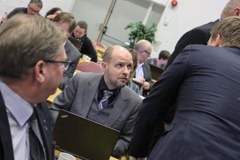SPENT: Frank Willy Djuvik (Frp) stod fram som sterk tilhengar av Vestlandsregionen, då Sogn og Fjordane i førre veke gjekk inn for samanslåing.