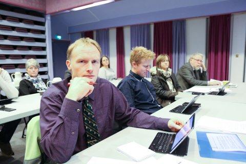 KONKRET: Vidar Sandal (nærmast) og Kent Øystein Hjelle ønskjer klarare vilje til næringslivssatsing. Men fekk ikkje fleirtal for flytte invesgteringsmidlar frå Holvikejekta til næringsareal i Breim.
