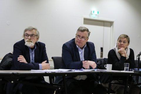 LOKALT STYRE: Tre av medlemene i dagens styre for Helse Førde. F.v. Harry Mowatt, Atle Hamar og Liv Stave.