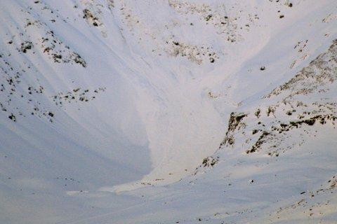 RAUDT FAREVARSEL: Det er onsdag meldt raudt farevarsel for snøskred i Indre Fjordane. (Illustrasjonsbilde av skred).