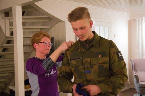 Siw og Torstein Ørnehaug, Heim til jul, militæret, førstegongsteneste, Gaular, Viksdalen