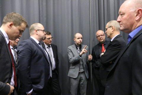 Frank Willy Djuvik (i midten).