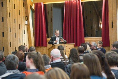 Ordførar i Førde, Olve Grotle, snakka varmt om samanslåing.