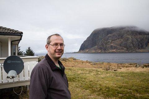 SMITTE: Grendelagsleiar Roar Landøy seier at øysamfunnet har gjort det dei kan for å unngå koronasmitte. Men torsdag vart ein person påvist smitta.