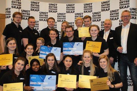 Ungdomsbedrifta aDABt UB vart fylkets beste ungdomsbedrift onsdag, og sikra seg dermed ein NM-plass.