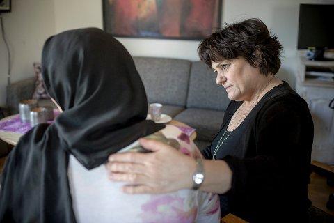 Yasmin har levd som sexslave halve livet og har vært tvangsprostituert i store deler av Europa og Midtøsten. Wenche Hovland tok imot Yasmin på krisesenteret.