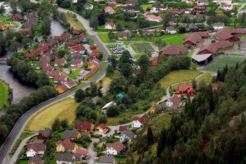 NY TAKST: Alle eigedommar i Sunnfjord skal bli taksert på nytt, men kommunen slepp stressopplegget dei frykta. No får dei tre år på å få klar både system og nye takseringar.
