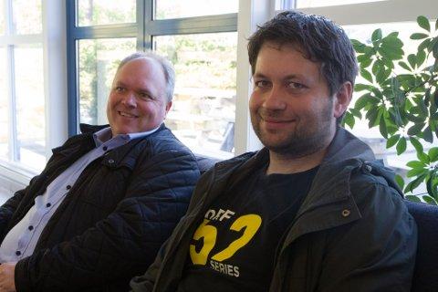 IT-bransjen: Avans-leiar Magnar Høyvik (t.v.) og John Helge Nistad på Dale-kontoret til Nordic Semiconductor AS er svært positivite til ideen om ei E-sport-linje på Dale vidaregåande skule.
