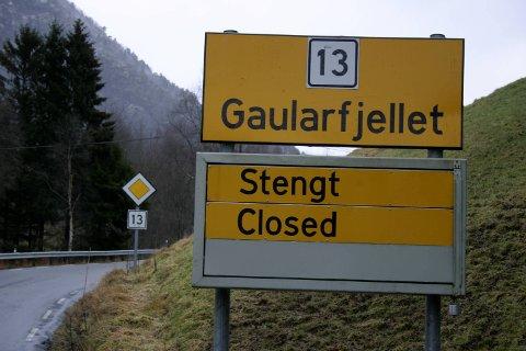 GAULARFJELLET: Opningstida på denne fjellovergangen har vore diskutert av politikarane i Sunnfjord etter at fylkeskommunen kom med forslag om å utvide vinterstenginga.