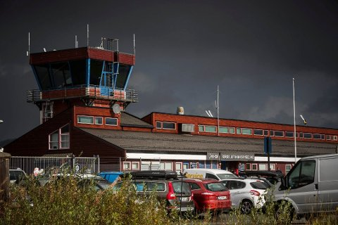 Bringeland lufthamn var blant dei som ville vore streikeutsette. No går trafikken som normalt.