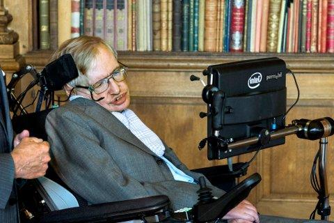 TRUA: Den kjende fysikaren og matematikaren, Stephen Hawking mottok over 100 truslar frå Florø-kvinne.