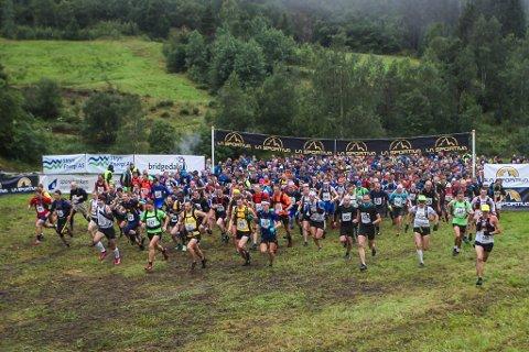 632 stilte til start i konkurranseklassen. 1300 deltok totalt i Skåla opp i 2016.