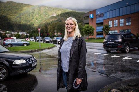 JA: Gunn Merete Paulsen er for bompengane som krevjast inn frå måndag. – Det er viktig for å ruste Førde for framtida.