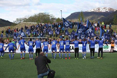 DUMPEKANDIDATAR: Fire store spelselskap er klare i sin spådom. Florø vil rykke ned frå Obos-ligaen 2017.