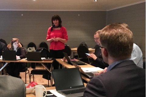 Forhadlingane: Dersom det blir samanslåing blir nynorsk administrasjonsspråk. Og Fylkesmannen blir i Sogn, slik Jenny Følling og dei andre i forhandlingsutvalet har jobba for.