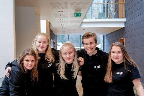 Ungdommens ressursgruppe: Camilla Haveland (f.v.), Ive van Oorschot, Jenny Hatlelid Holsæter, Oddbjørn Litlabø og Rakel Sørhaug gler seg til å jobbe med UKM heile året