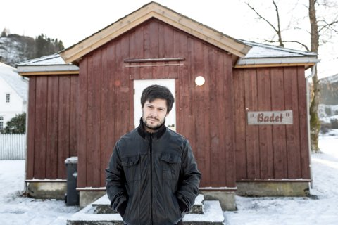 FRIVILLIG PROSJEKT: I slutten av januar 2017 opnar dørene på «Musikkbadet» i Dale. Musikklærar Mats Systaddal er ein av initiativtakarane for det frivillige prosjektet.
