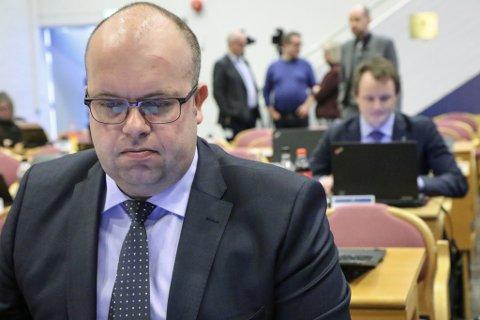 STÅR PÅ: Sps Sigurd Reknes vil posisjonere fylket for å få oppheva samanslåinga med Hordaland straks høvet byr seg.
