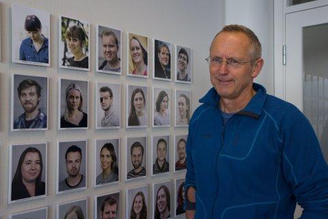 FORNØGD: Dagleg leiar Ivar Longvastøl i Nynorsk avissenter er glad opplæringa av nynorskjournalistar held fram på ein god måte også i 2018.