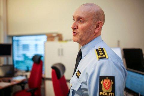 – Å vere leiar i ein krevjande periode er ikkje berre enkelt, seier driftseiningsleiar Odd Arve Solvåg ved operasjonssentralen i Florø. Arkivfoto.