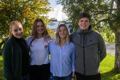FLORA-STYRET: Fv. Edwina Ann Kronen Rossi, Eivor Ottesen (revysjefar), Malisa Hatteberg (visepresident) og Viljar Ødelien (president).