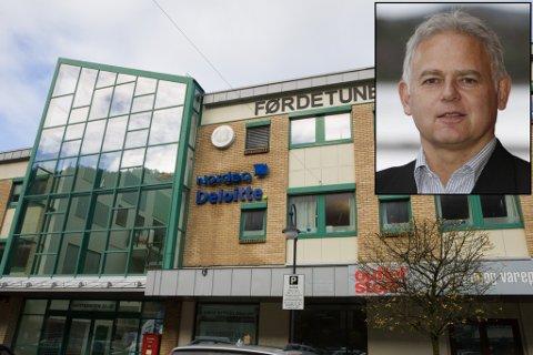 Rune Tonning er banksjef i Nordea i Sunnfjord. Bildet syner Nordea sitt kontor i Førde.