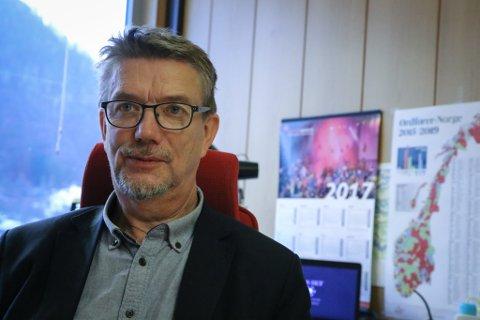 STILLE: Naustdal-ordførar Håkon Myrvang vil ikkje seie noko om det nye gruvealternativet før det kjem ei tilråding frå rådmannen.