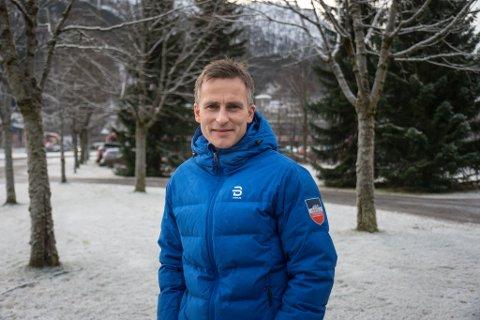 BYTER SPOR: Administrasjonssjef i skikrinsen, Yngve Thorsen, gir seg i idrettsjobben og skal byrje som HMS-ansvarleg i Coop Vest.