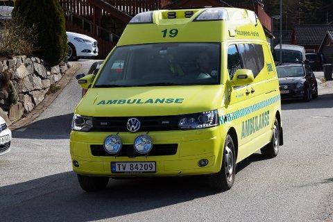 IKKJE ENDRINGAR: Ambulansetenesta, både for båt og bil blir ikkje endra neste år. Men i løpet av 2018 kjem framlegga til endring.