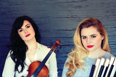 FRÅ CANADA: Ein av dei nye kometane i kanadisk folkemusikk, søstrene Cassie og Maggie MacDonald frå Halifax, er klare for festivalen.