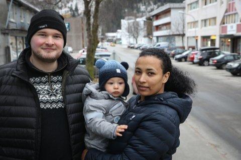 MØTTE VANSKAR: Thor Erlend Mehammer og Yemsrach Mulugeta vart foreldre i fjor haust. Det har blitt vanskeleg å etablere eit normalt familieliv, seier dei.