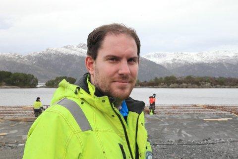 Konstituert hamnesjef Jostein L Bergset på den nye fiskerikaia.