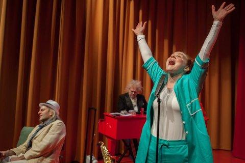 SEKS: Oda Alisøy og i rolla som sjukepleiar på «Evig Ung» får terningkast seks av BA.
