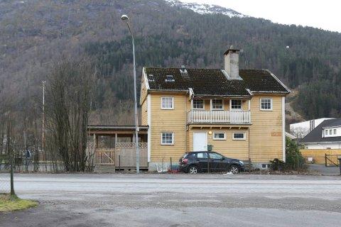 Den gamle dokterbustaden i Førde.
