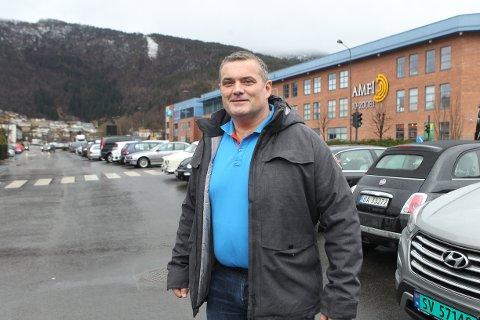 AMBISJONAR: Stian Grimseth håper å gjenta suksessen med vektløftar-EM i Sunnfjord-regionen. No vil han ha VM i 2025.