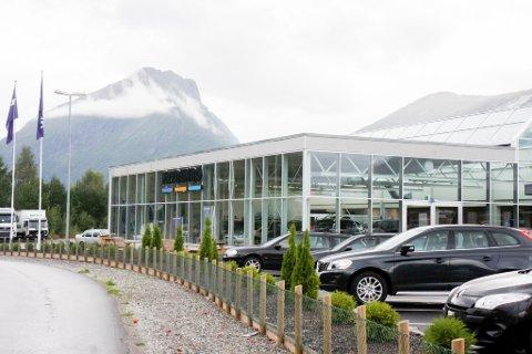 VANN NYNORSKPRIS: Frydenbø bilsenter har tre avdelingar i fylket: Førde, Sogndal og Sandane (på bildet).
