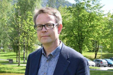 Jon Bolstad går av som direktør i Helse Førde.