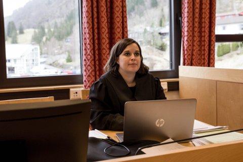 BER OM FENGSEL: Cathrine Schjelderup er aktor i saka. Ho bad onsdag om fengsling som straff i saka mot Bjarne Hole.