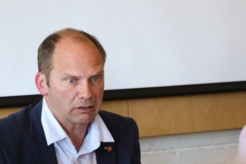 ORDFØRAR: – No ventar vi at Jølster blir sett, seier Oddmund Klakegg (Sp).