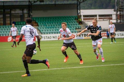 Johan Hove spelte sin første kamp frå start for Sogndal på Fosshaugane søndag. Det gjorde han med den største sjølvfølgje.