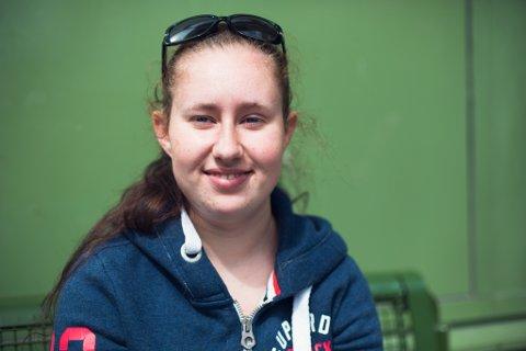Elena Tefre (20)
