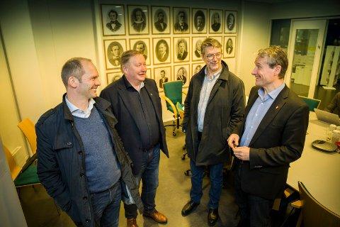 ORDFØRARAR: Oddmund Klakegg (Sp/Jølster), Mathias Råheim (H/Gaular), Håkon Myrvang (Ap/Naustdal) og Olve Grotle (H/Førde) krev at staten held lovnaden om at kommunar ikkje skal tape økonomisk på å slå seg saman.