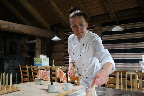 BRYLLAUP: Laurdag stod Christel Eide og Mitt Lille Kjøkken for tapas og spekemat til rundt 70 personar i bryllaup i Movika.