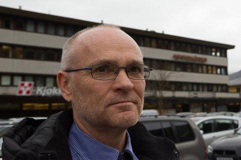 Jonny Tjønn framfor Hafstadgården, som FGH invest kjøpte i fjor.