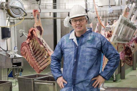 Direktør Eivind Fonn. Slakteriet Nortura i Førde effektiviserte storfekjøtproduksjonen sin med tretti prosent. No ser andre slakteri til Førde for å gjere det same.