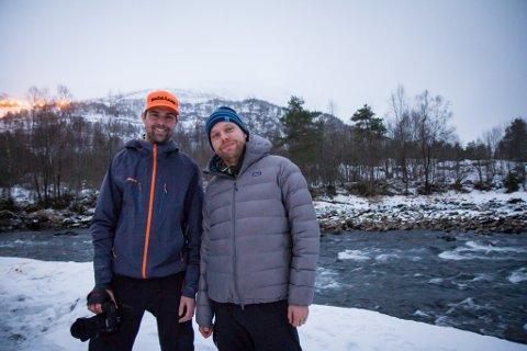 EVENTYRARAR: Fredrik Schenholm og Rikard Andreasson reiser rundt i heile verda for å stå på ski. No vil dei skrive om toppturar på Jølster.