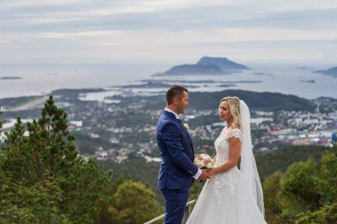 UNGDOMSKJÆRASTAR: Kristine Berentzen Dypevik og Rune Dypevik er begge frå Florø, men budd på kvar si side av verda. No er dei gjenforent.