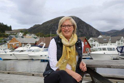 AMBULANSE: Er Frida Melvær samd med kommunestyret i Askvoll i ambulansesaka, eller er også hennar eigen ordførar prega av negativitet og svartsyn? spør artikkelforfattaren.