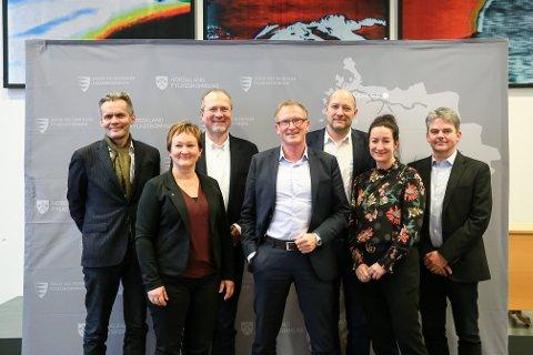 DEI NYE TOPPSJEFANE: Frå venstre: Per Morten Ekerhovd, Dina Lefdal, Paal Fosdal, Bård Sandal, Håkon Rasmussen, Ingrid Holm Svendsen og Bjørn Lyngedal.